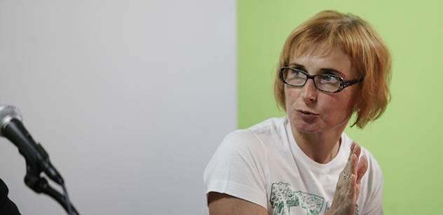 Parlamentní listy: Rozzlobená europoslankyně Konečná: Další americký konvoj, řinčení zbraněmi na našem území! Lidé nechápou, proč naši politici umožňují demonstraci síly a moci