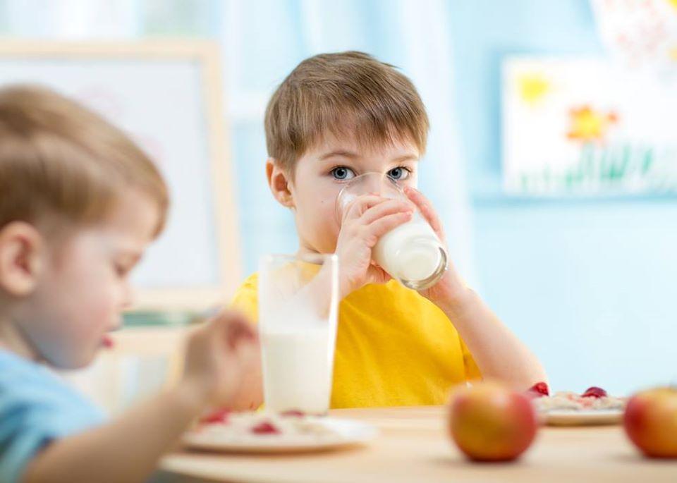Mléko do škol
