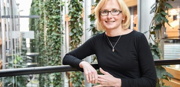 Parlamentnílisty.cz Kateřina Konečná: Zeman má navrch nad Drahošem. Ovšem nepodceňujme mediální sílu pražské kavárny, která lidem vymývá mozky